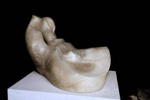 F.621. Serie torsos, año.2003-Alabastro.36x23x27 cm